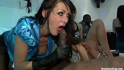 Girl wearing leather gloves fucks in ory