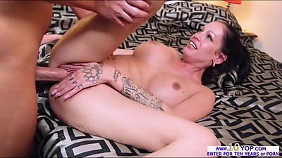 Gorgeous Kelly Summer gets her large..