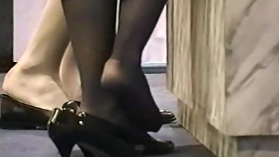 Pantyhose feet, what an embarrassing..