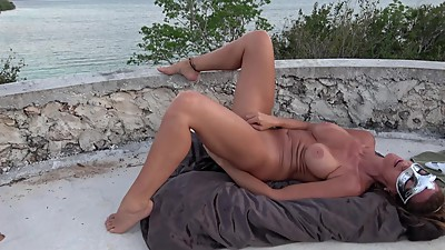 HOT WIFE MASTURBATES ON CASTLE TOP..