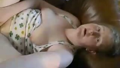 girlfriend cums  agan 1of2