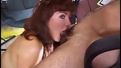 video 703 Milfslut sucking dick