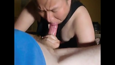 Amateur chbby mature cum in mouth