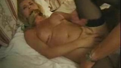 Horny mature woman wants to rule the..