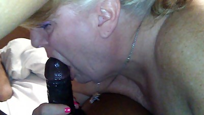 Tigerwoman1207 white mature sucking bbc.