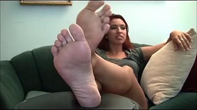 alexis candid stinky soles
