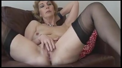 Mature lady in stockings